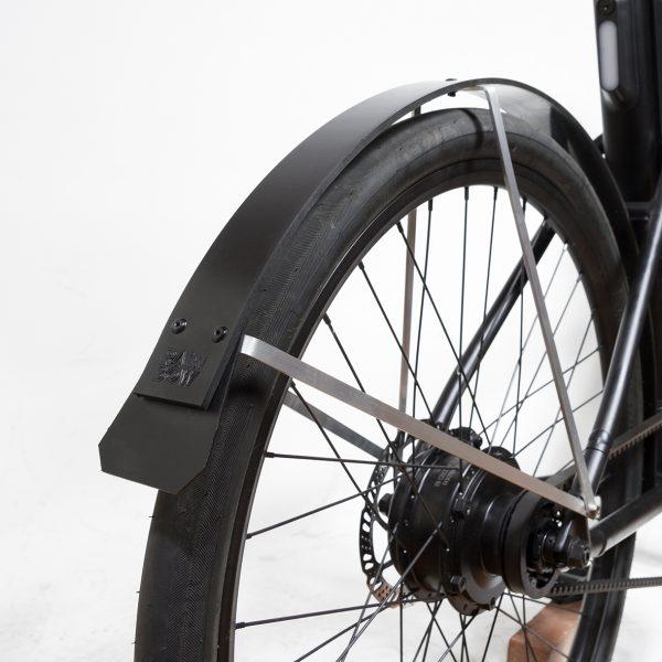 Cowboy e-bike with rain-bow fenders