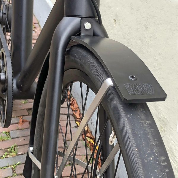 Cowboy e-bike withe rain-bow fenders